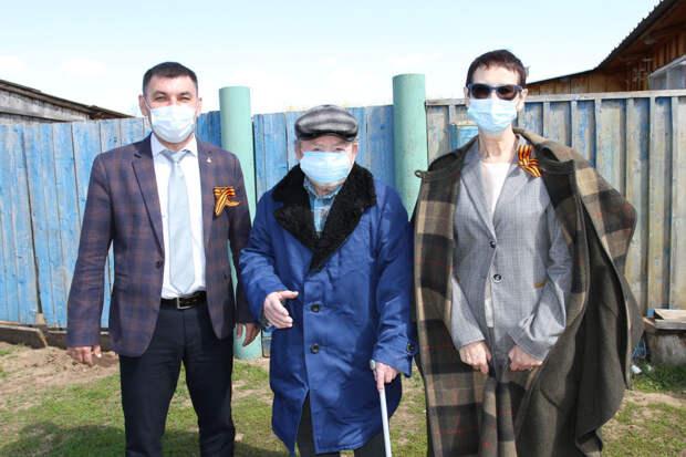 Коллектив СЭГЗ поздравил ветеранов Великой Отечественной войны