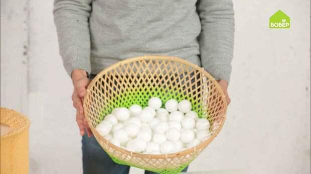 Светильник из шариков для пинг-понга