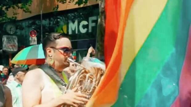 Еврокомиссия угрожает Венгрии и требует отменить закон против ЛГБТ-пропаганды