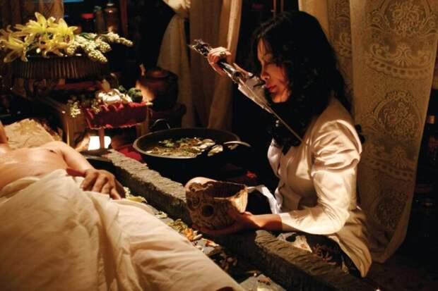 Унесенные тигром: зачем поп-звезда ишаман Мона Фенди отрубила голову депутату