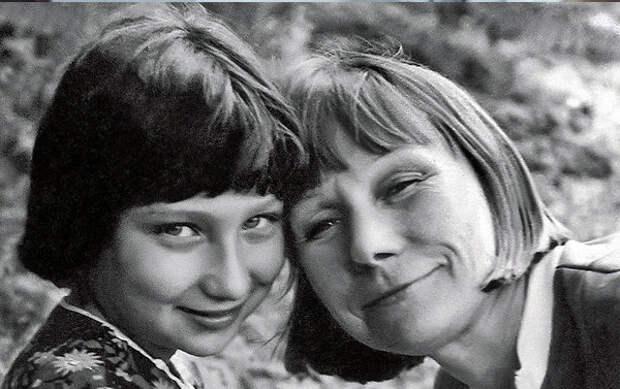 Мать с дочкой Катей
