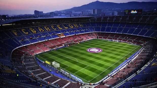"""В """"Барселоне"""" заявили, что продолжают получать угрозы от УЕФА из-за Суперлиги"""