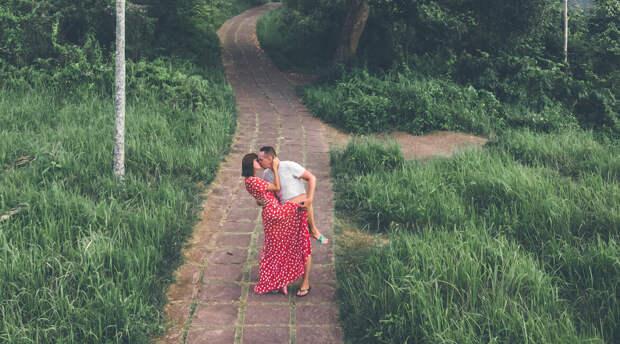 Ура, мы сделали «это»! Метаморфозы исполнения супружеского долга после долгих лет брака