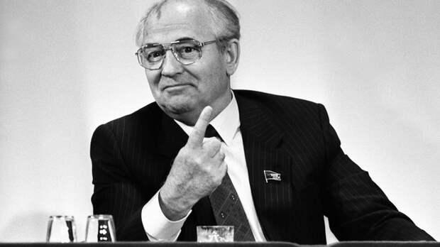 Новый контракт срывается? Горбачёв из больницы призвал к революции