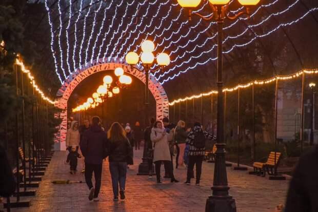 В Евпатории появился «световой потолок»