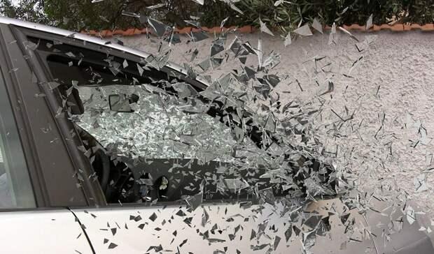 Угонщик-каскадер несколько раз перевернулся вРостовской области ибросил машину