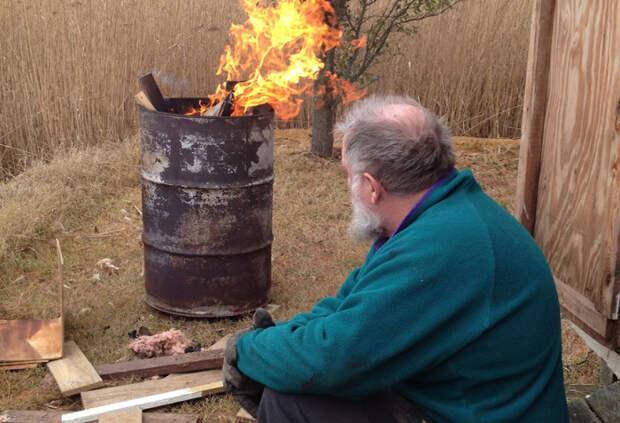 Где сжигать траву несчастному дачнику, если жечь в печи и на огороде запрещает МЧС