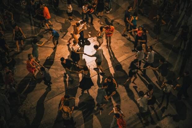 В «Саду Будущего» начались занятия по латиноамериканским танцам