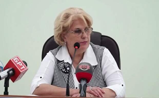 Крымская чиновница, пожелавшая собакам «сдохнуть», попросила не цепляться к словам