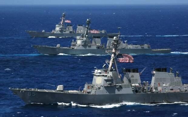 Два американских боевых корабля вдруг взяли курс в сторону Крыма