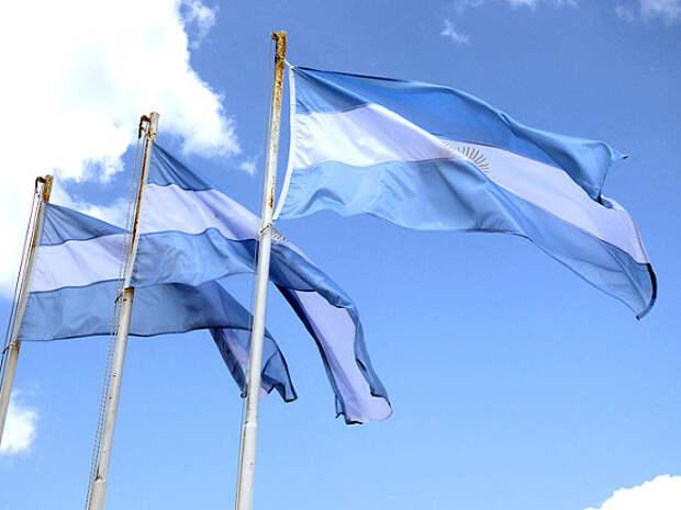 В Аргентине школьники вышли на акцию протеста против онлайн-образования
