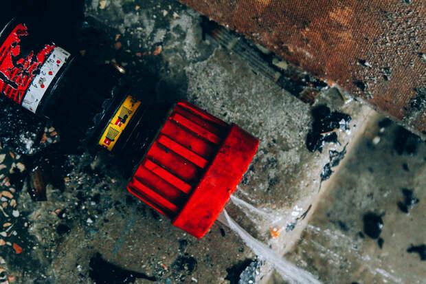 В Севастополе при пожаре в многоэтажке погибла женщина