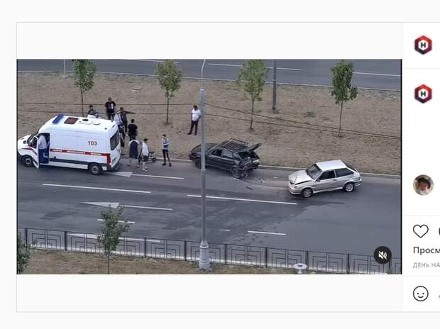 Два легковых автомобиля столкнулись на проспекте Защитников Москвы