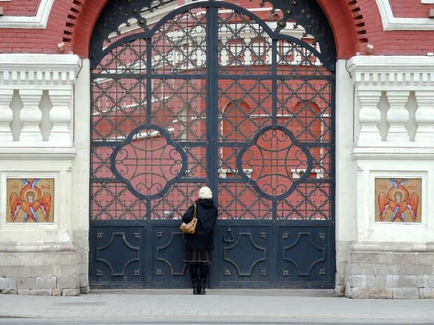 Митрополит Иларион призвал к обязательной вакцинации духовенства