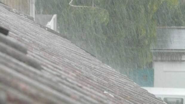 Кровля крыши насмерть придавила прохожего в Александровске-Сахалинском