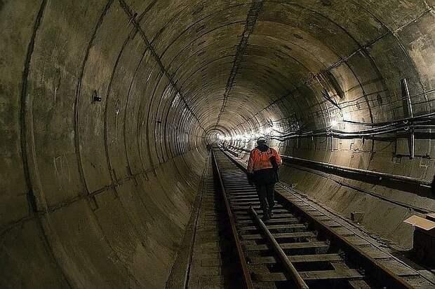 Строительство двух новых станций метро началось в Москве