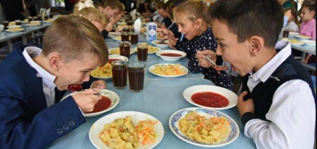 Качество питания в школах могут отдать под контроль местных чиновников