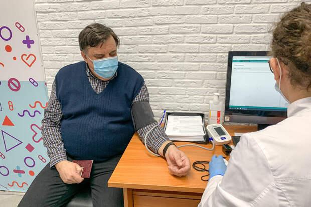 Несколько россиян умерли после полной вакцинации от COVID-19