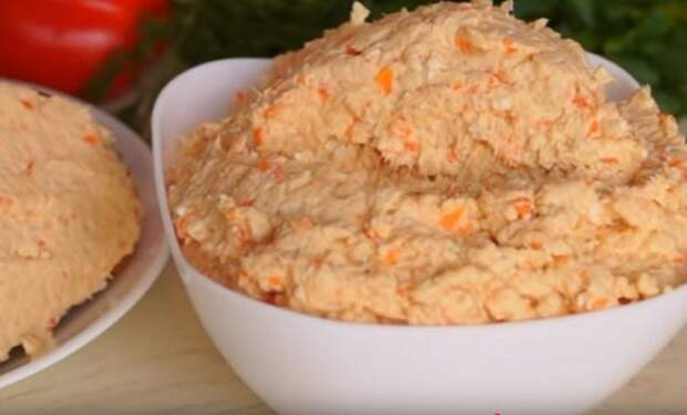 Паштет из куриного филе с плавленым сыром — отличная замена колбасе!