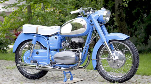 Два колеса по ГОСТу: культовые мотоциклы из СССР