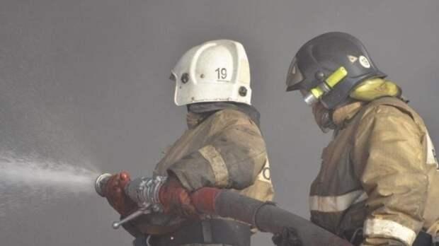 Пожарные потушили огонь в центре Ростова-на-Дону