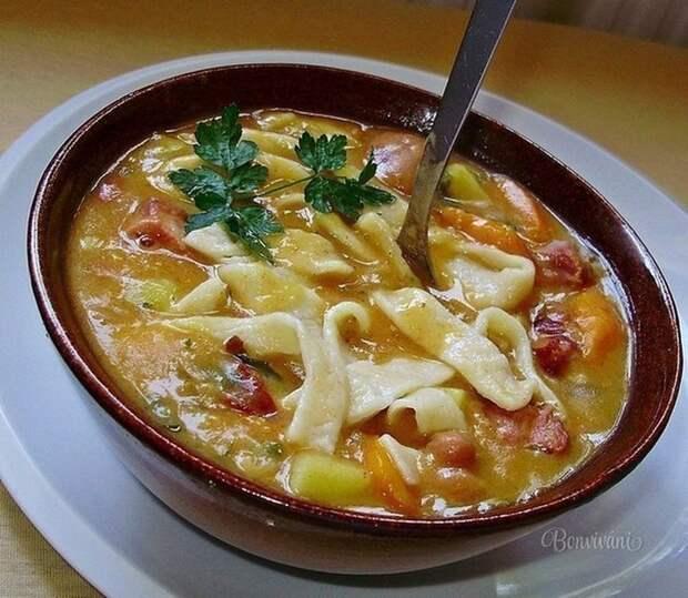 ДЕНЬ ПЕРВОГО БЛЮДА. Фасолевый суп с домашней лапшой