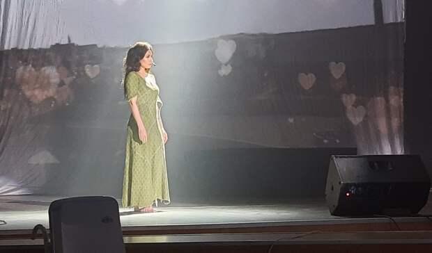 «Это катастрофа». Певица Светлана Светикова поделилась мнением одорогах иэкологии