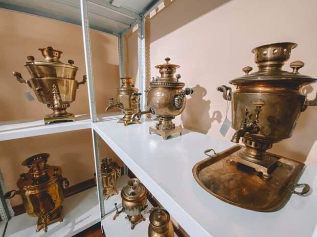 В выставочном зале «Покровка, 8» открылась экспозиция самоваров из частной коллекции