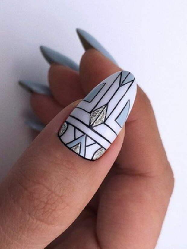 Красивый маникюр с геометрическим рисунком: идеи