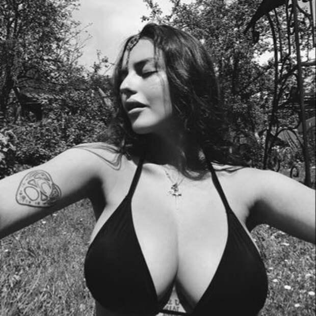 Сексуальная бунтарка Рита Флорес: тот случай, когда убеждения— неглавное