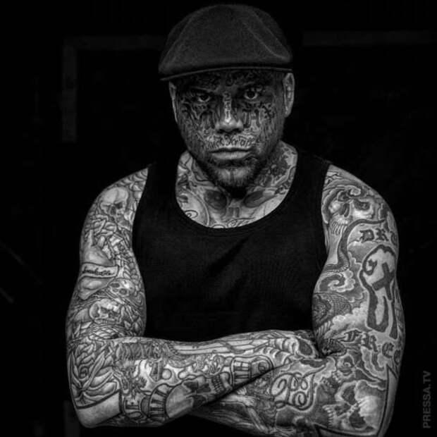 Каждые три месяца — новая татуировка
