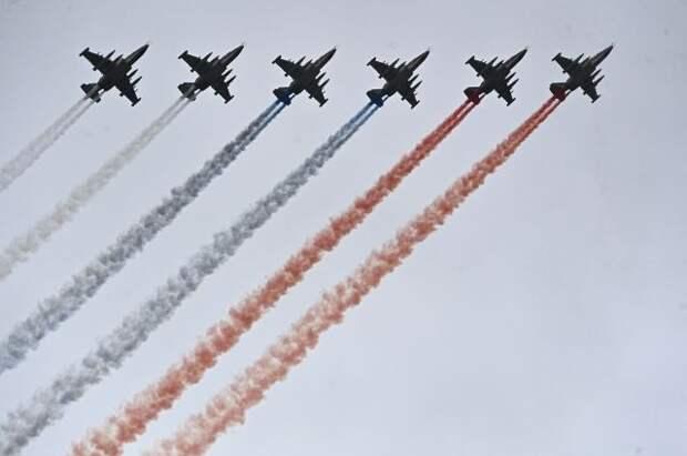 Парад Победы в Москве завершился пролётом авиации над Красной площадью
