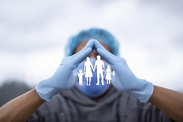 Врач назвал сроки появления коллективного иммунитета к COVID-19 в России