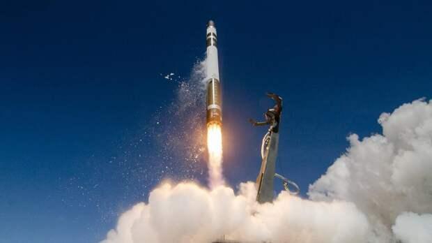 Запуск американской ракеты со спутниками провалился