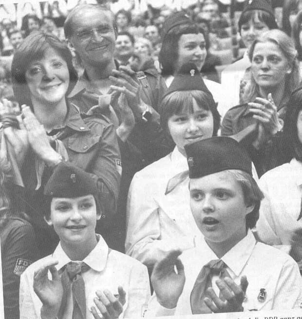 Что за инцидент произошел с Ангелой Меркель во время ее учебы в СССР
