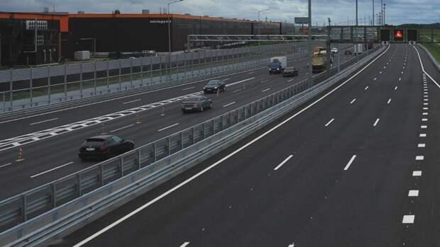 Движение транспорта ограничат на двух полосах КАД в Петербурге