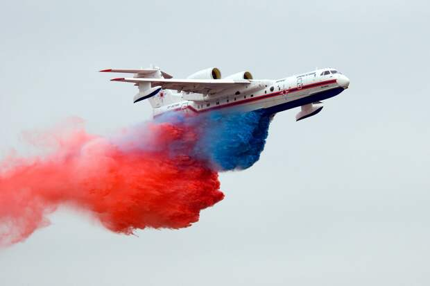 СМИ Турции возмутились «опасными манёврами» российских Бе-200 при тушении пожаров