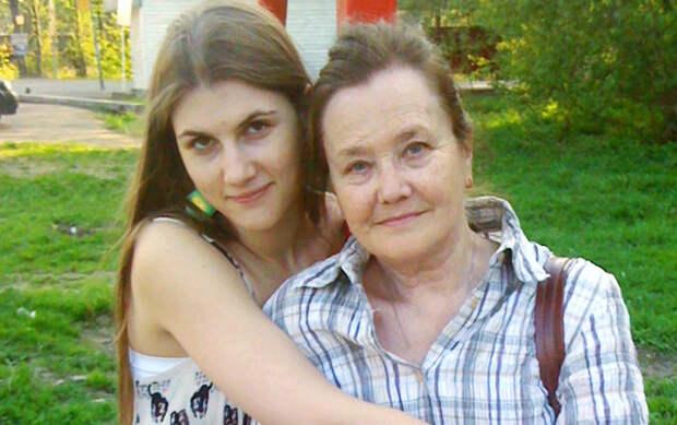 Жанна Прохоренко с внучкой Ксюшей