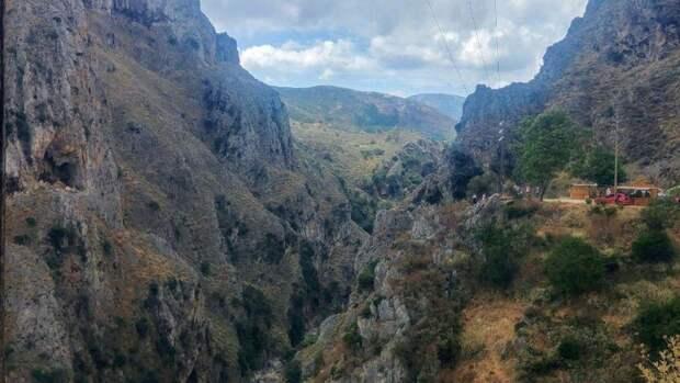 Туристы из Москвы получили серьезные травмы в горах Кабардино-Балкарии
