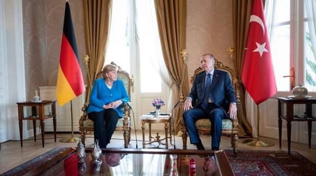 Эрдоган выдал подробности личных переговоров с Меркель и рассмешил публику