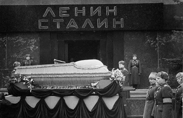 «Тайные похороны Сталина»: что положили ему в гроб