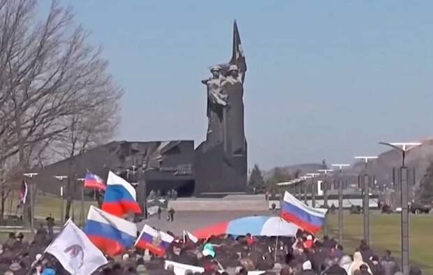 Bloomberg о гражданстве Донбасса: все готово, нужно лишь решение Путина