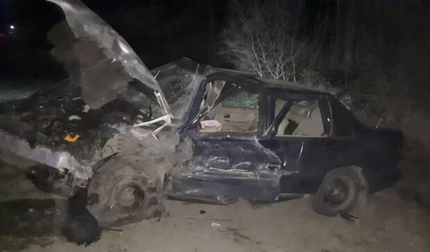 Водитель попал вбольницу после лобового ДТП натрассе вКарелии