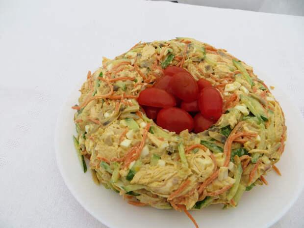Вкусный салат на Пасхальный стол - яркий, сочный и очень сытный!