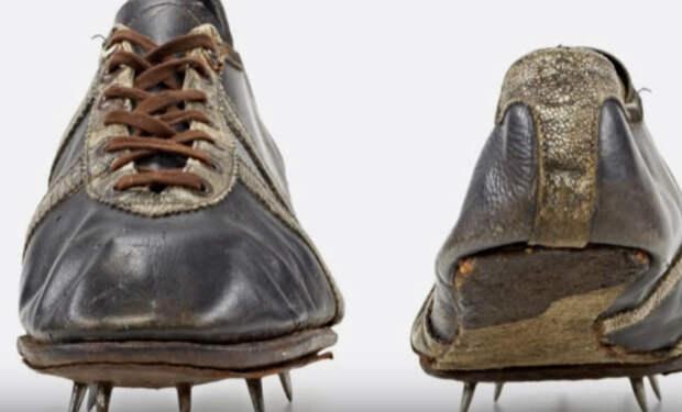 Первые бутсы Adidas