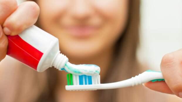 5 хороших зубных паст до 100 рублей, которые чистят лучше дорогих