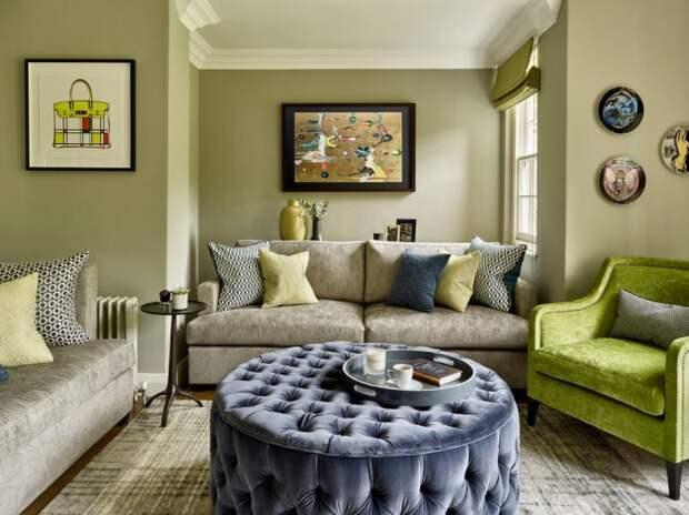 гостиная с бледно-оливковыми стенами