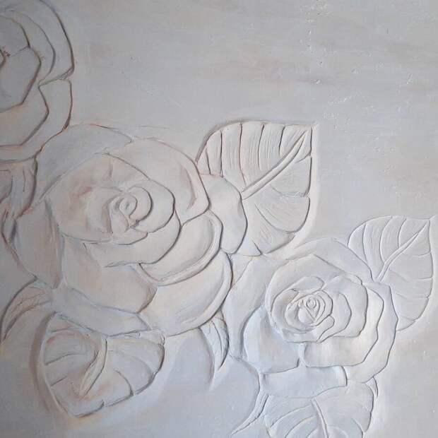 Спасибо от строителей: рабочие нарисовали цветы по сырой штукатурке на стене больницы в Ижевске