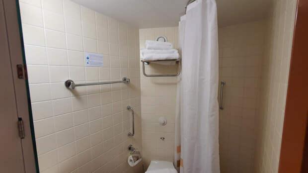 Туалет/душ в каюте Полулюкс Б на т/х Мстислав Ростропович