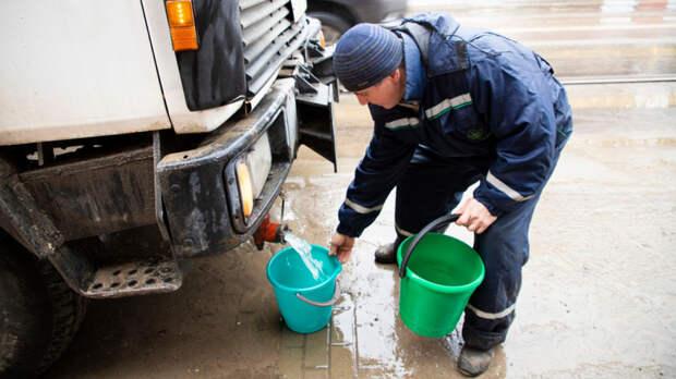 Насутки отключат холодную воду вРостове